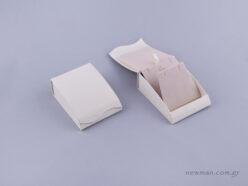 051482 - Κουτί Σταυρός/Σκουλαρίκια εκρού