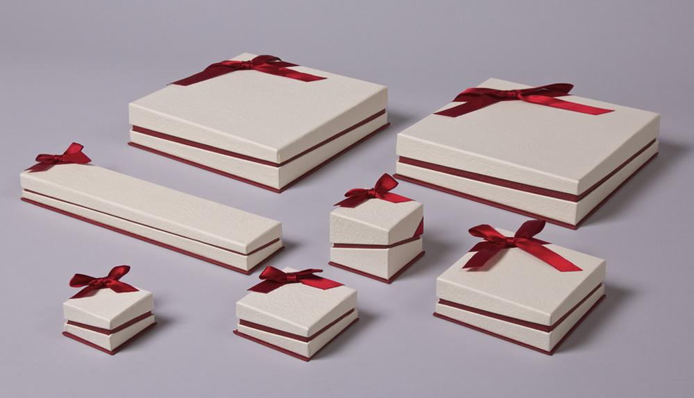 FSP σειρά κουτιά κοσμημάτων με λοξό κλείσιμο & Μπορντώ φιόγκο