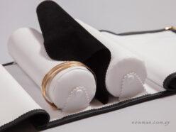 Με ειδικό κάλυμμα/πανάκι ανάμεσα στους κυλίνδρους για προστασία των κοσμημάτων