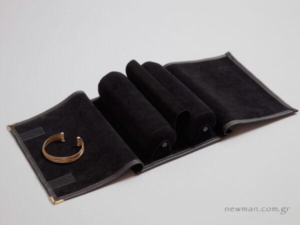 Μαύρη δερματίνη εξωτερικά και μαύρο σουέτ για εσωτερική φόδρα