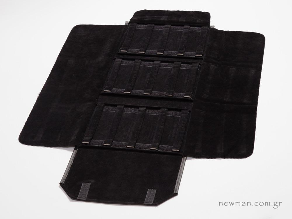 Μάυρο πανί με 3 φύλλα για σκουλαρίκια