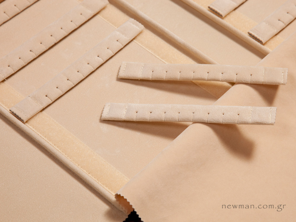 Βέργα με 8 τρύπες/εσοχές για σκουλαρίκια