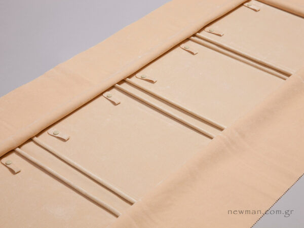 Ivory suede internal lining