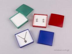 Semitransparent box for pendant and/or earings