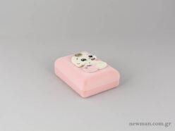 Κουτιά από βελούδο σε ροζ χρώμα με μωρό για βαπτιστικούς σταυρούς