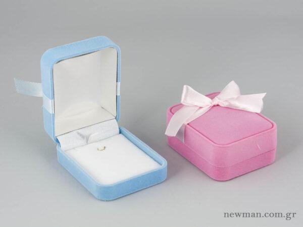 Βελούδινο κουτί με φιόγκο για σταυρό