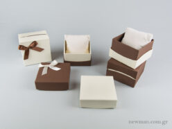jewellery-box-with-pillow-for-watches-bracelets-90x90x60mm