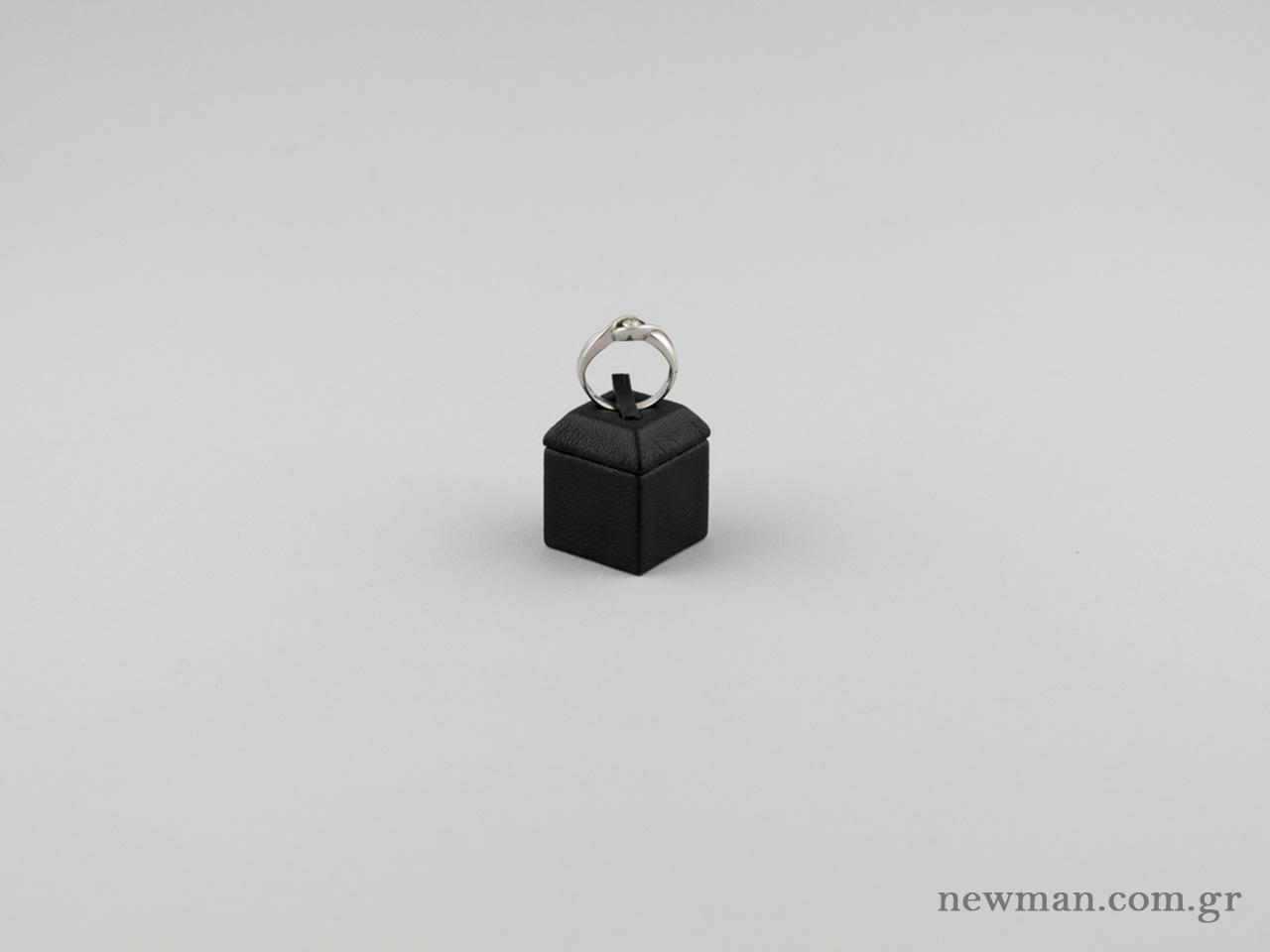Βάση για δαχτυλίδι P02