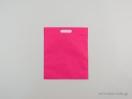 Υφασμάτινες τσάντες non woven με χερούλι χούφτα σε διαστάσεις 30×35 εκ. φούξια