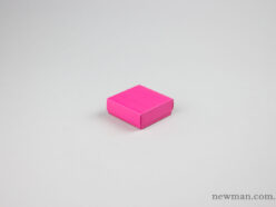 Jewellery box 6x6x2.2cm in fuchsia pink.