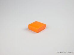 Jewellery box 6x6x2.2cm in orange.
