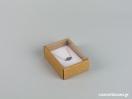 Οικολογικό κουτί kraft με διάφανο καπάκι και άσπρη βελούδινη βάση μενταγιόν νο2