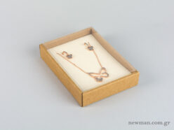 Eco-friendly jewellery box No10 for pendants with ivory velvet insert and transparent lid.