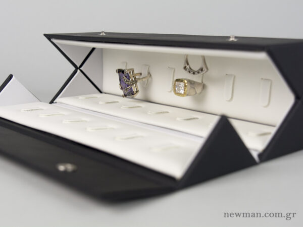 A jewellery folding case for 26 rings, item code 000947