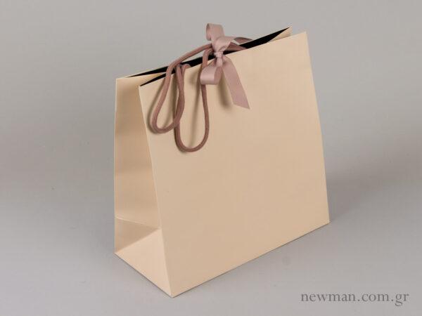 Τσάντα με κορδόνι και κορδέλα tsanta kordoni gro 331102