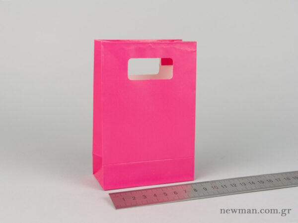 Paper bag with die-cut handle No1 fuchsia