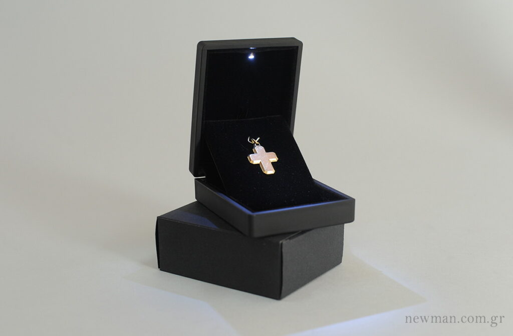 led-light-box-for-crosses-pendants-052002
