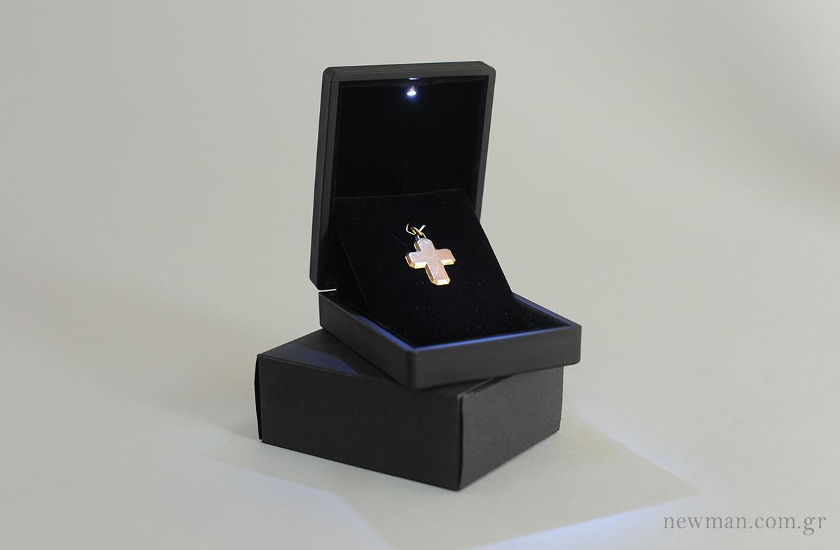 led-light-box-for-crosses-pendants-052002