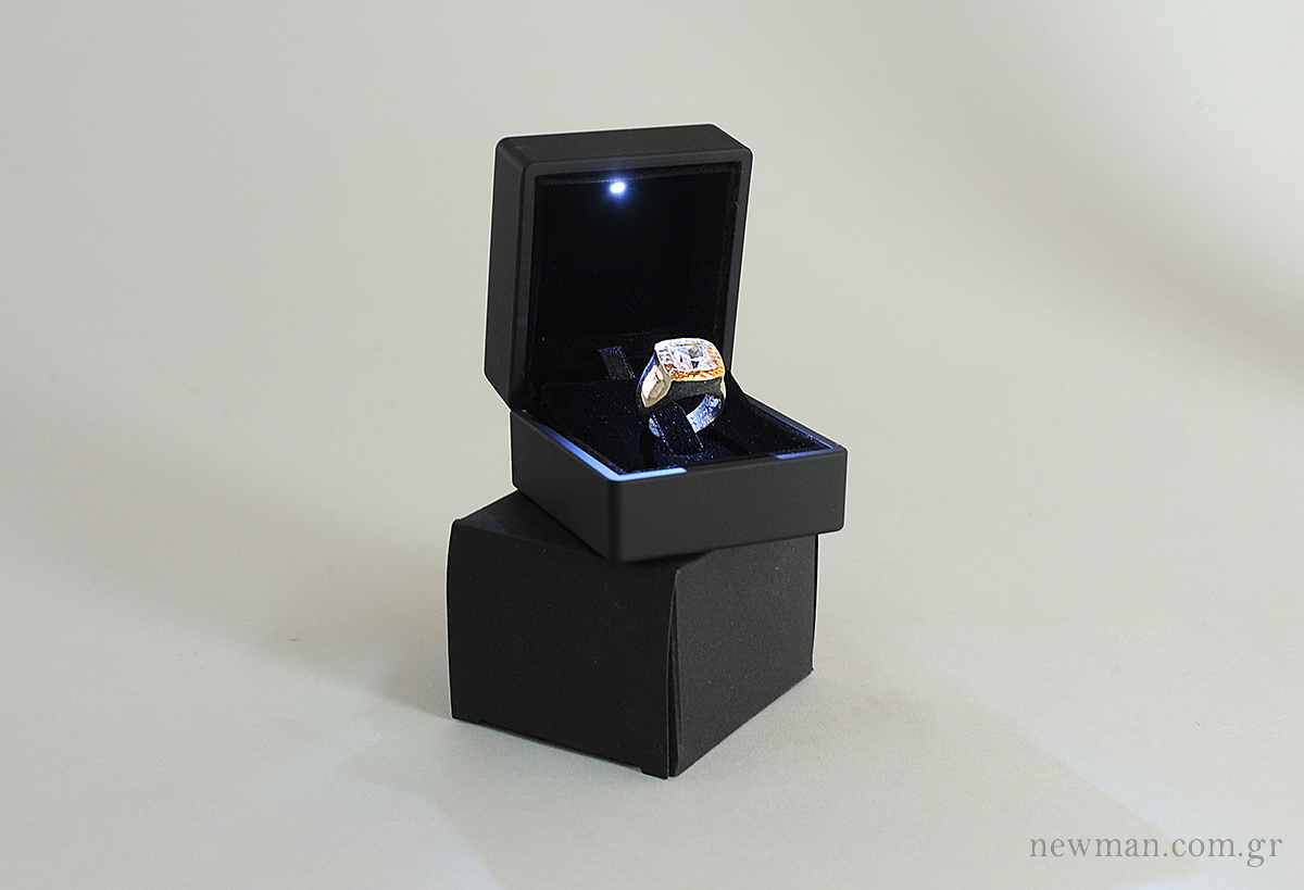 a led light jewellery box newman. Black Bedroom Furniture Sets. Home Design Ideas