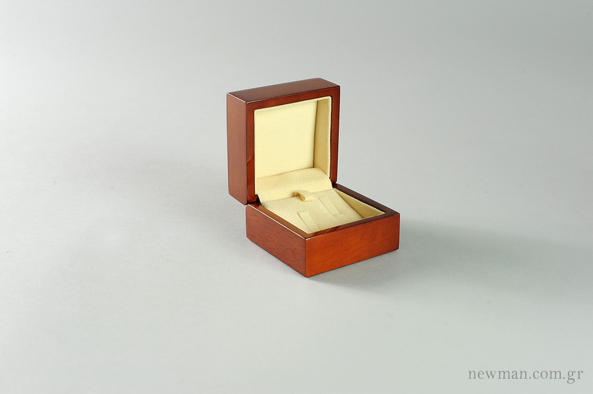 princess-wooden-box-wedding-rings