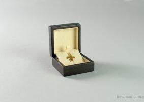 Ξύλινο κουτί κοσμημάτων σταυρός-κρίκος