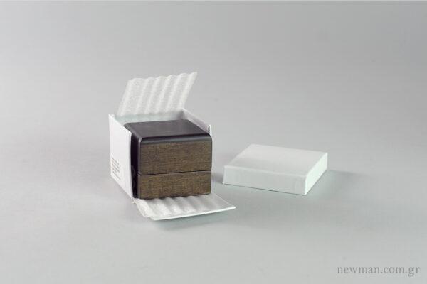 Ξύλινο κουτί κοσμημάτων για βέρες