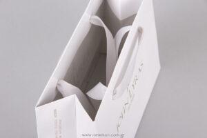Χαρτόνι βαμμένο εσωτερικά με χρώμα Pantone & βερνίκι
