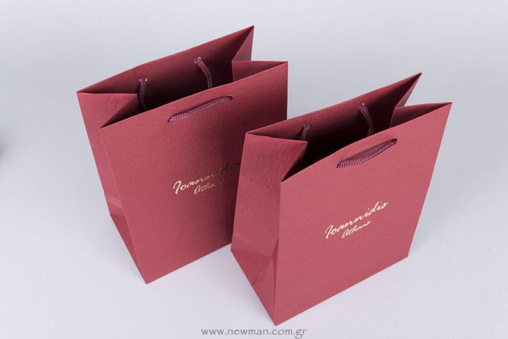 Χάρτινη τσάντα TLB μπορντώ με χρυσή εκτύπωση μεταλλοτυπίας