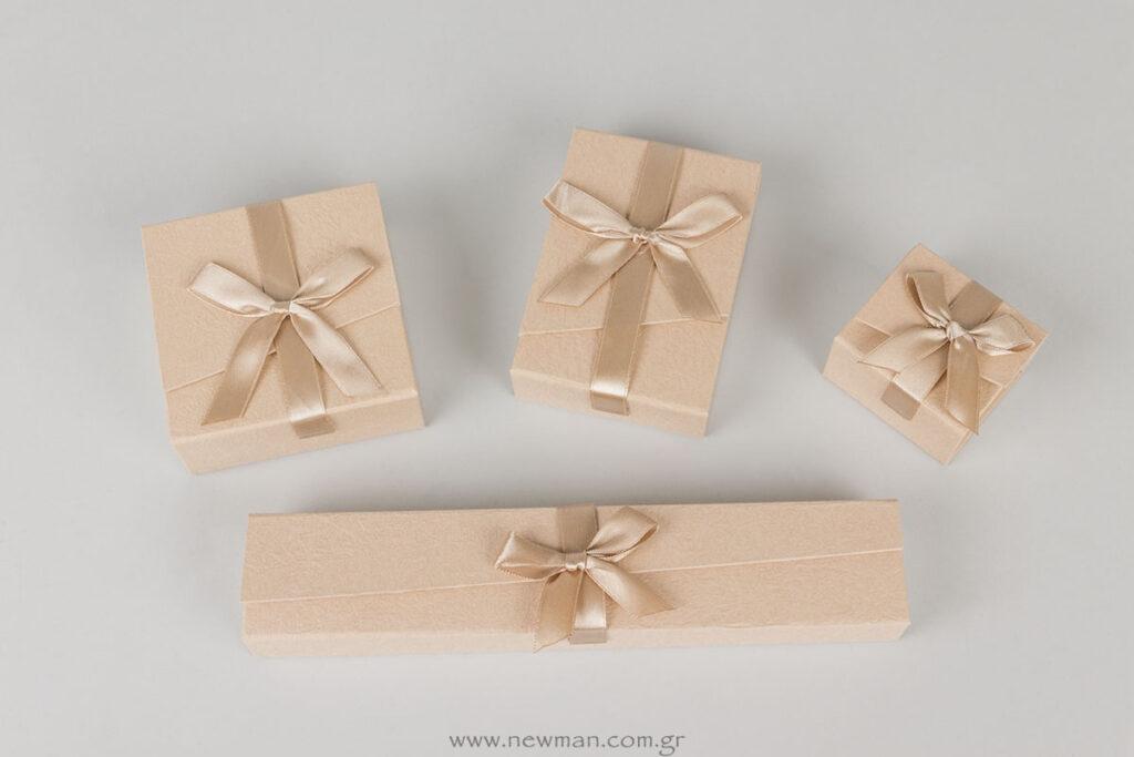 Χάρτινα κουτιά κοσμημάτων με σατέν κορδέλα και μαγνήτη