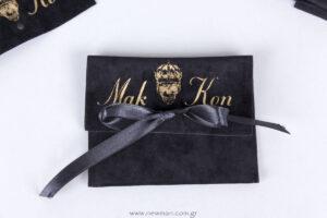 Mak Kon τυπωμένο μάυρο σουέτ πουγκί με μαύρη σατέν κορδέλα