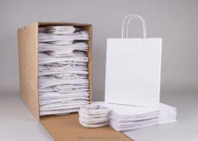 Τσάντα λευκή με στριφτό χεράκι 28x22+10 cm