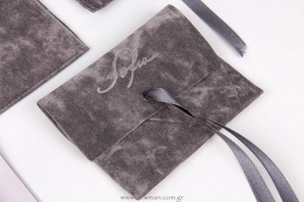 Σουέτ πουγκιά με κορδέλα σατέν και εκτύπωση