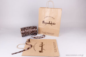 Moshovolies logo on bags & ribbons