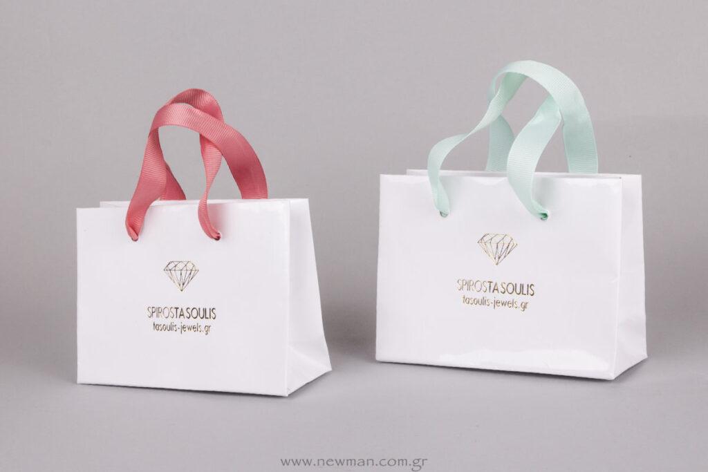 SpirosTsoulis Jewels logo σε χάρτινη τσάντα με πλαστικοποίηση
