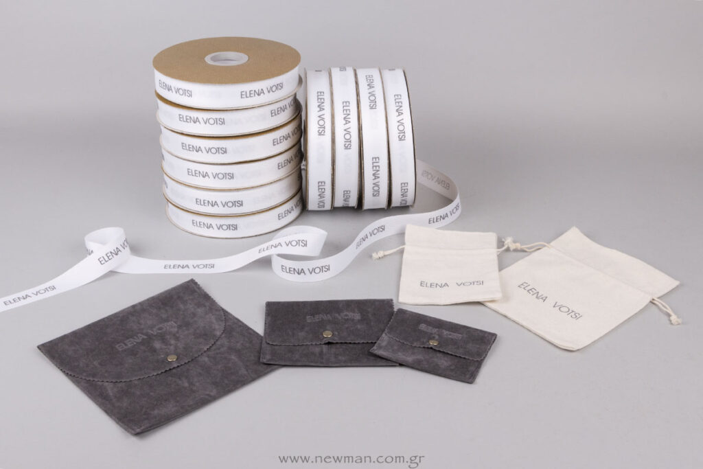 Elena Votsi συσκευασία για κόσμημα και τυπωμένες κορδέλες