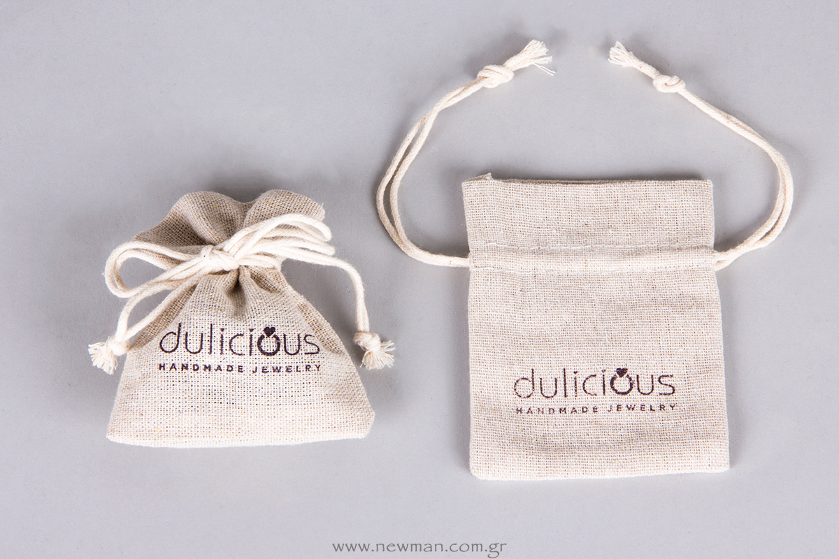 Dulicious-Pouches-with-printed-logo