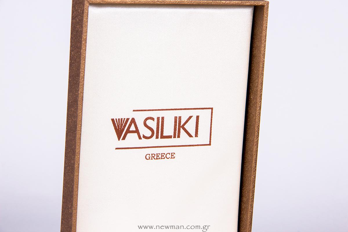 koutia-kosmhmatwn-me-to-logo-vasiliki-greece