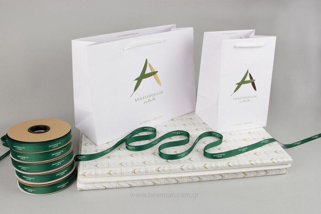Τυπώσαμε για την Anastopoulos Estate τσάντες Gofrato, κορδέλες γκρο και χαρτί αφής.