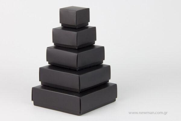 Μαύρα χάρτινα πλαστικοποιημένα κουτιά μπιζού με βελούδινο μαξιλαράκι σε 5 μεγέθη 0741