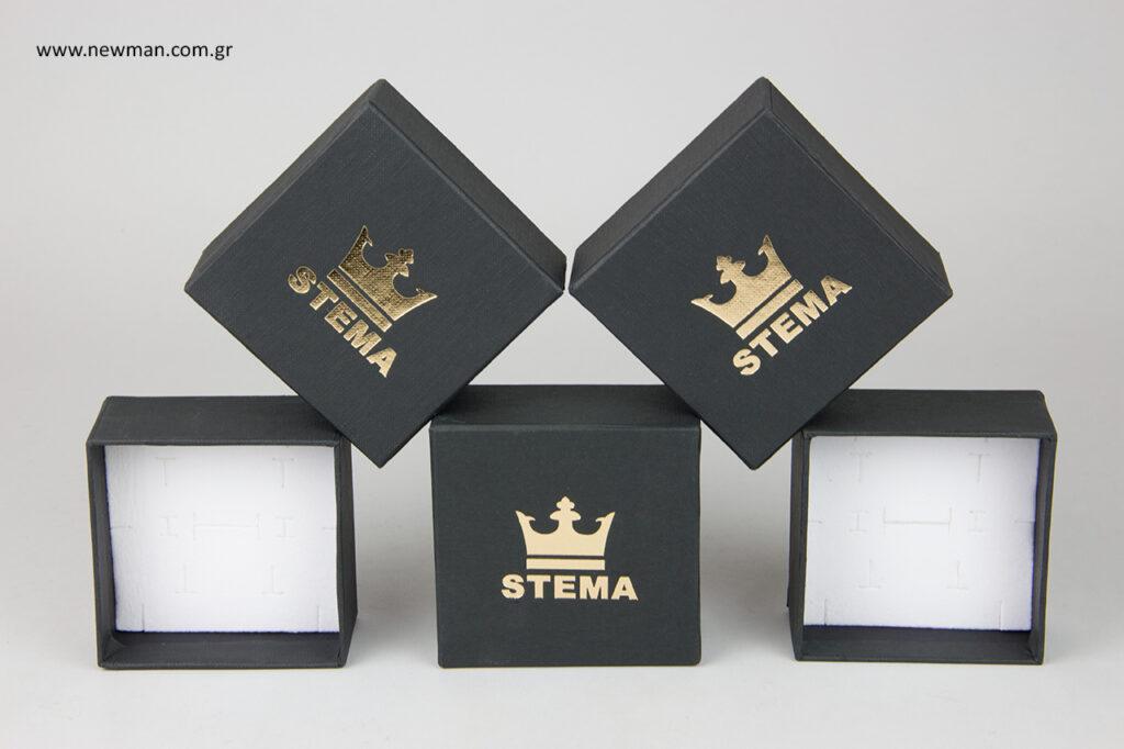 Κουτί custom-made by NewMan με χρυσοτυπία.