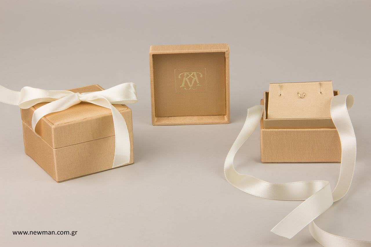 Κουτιά κοσμημάτων με λογότυπο.