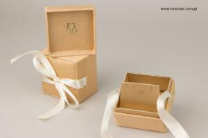 Κωνσταντίνα Κανταρτζή - KK κοσμηματοπωλείο: Κουτιά κοσμημάτων με εκτύπωση λογότυπου.