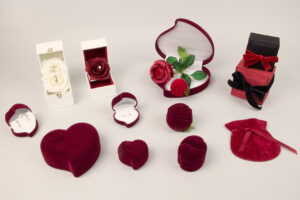 photo-gallery-image-cover-valentines-jewellery-boxes_4214