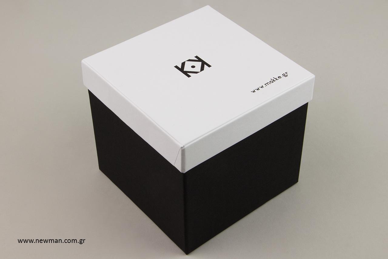 Κουτί για πορσελάνινα και πήλινα κοσμήματα και έργα τέχνης.