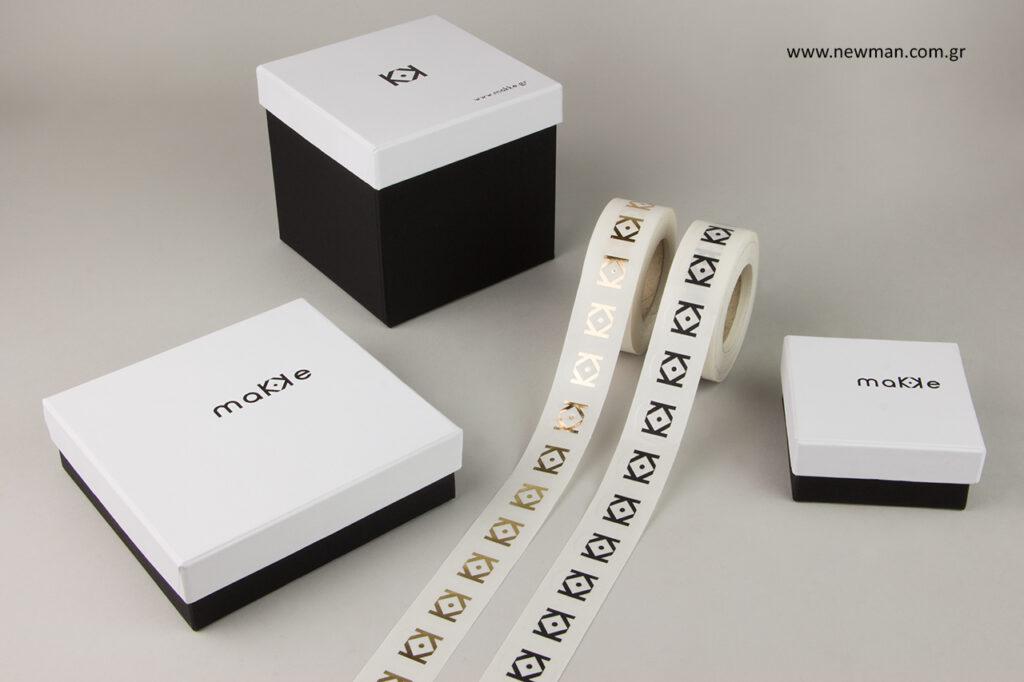 maKKe Ceramics: Κουτιά και ετικέτες με εκτύπωση.