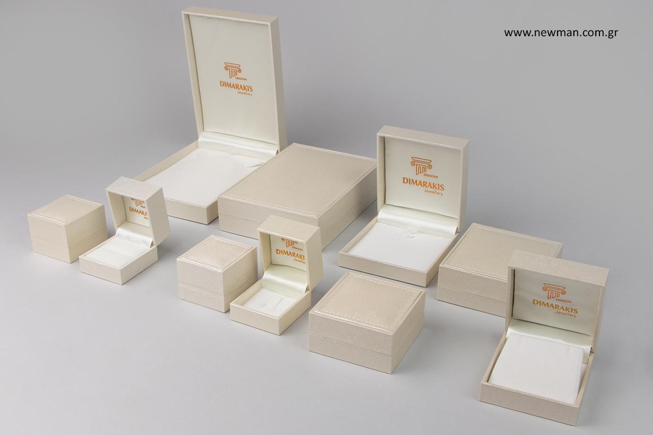 Κουτιά συσκευασίας με μεταλλοτυπία.