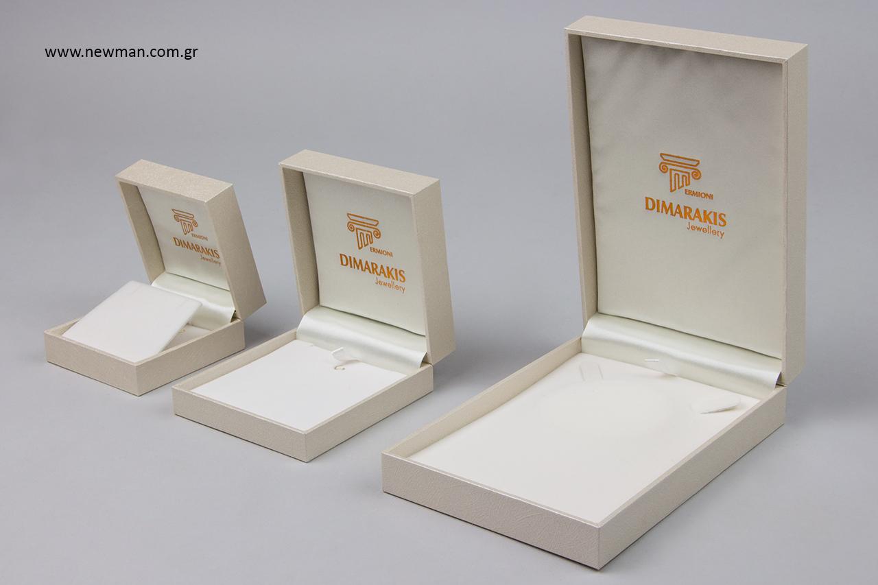 Εκτυπώσεις σε κουτιά συσκευασίας για κοσμήματα.