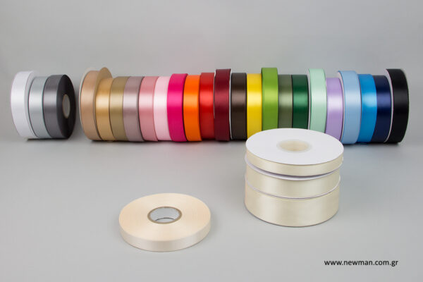 luxury-satin-ribbons-newman-ecru-16mm_5451