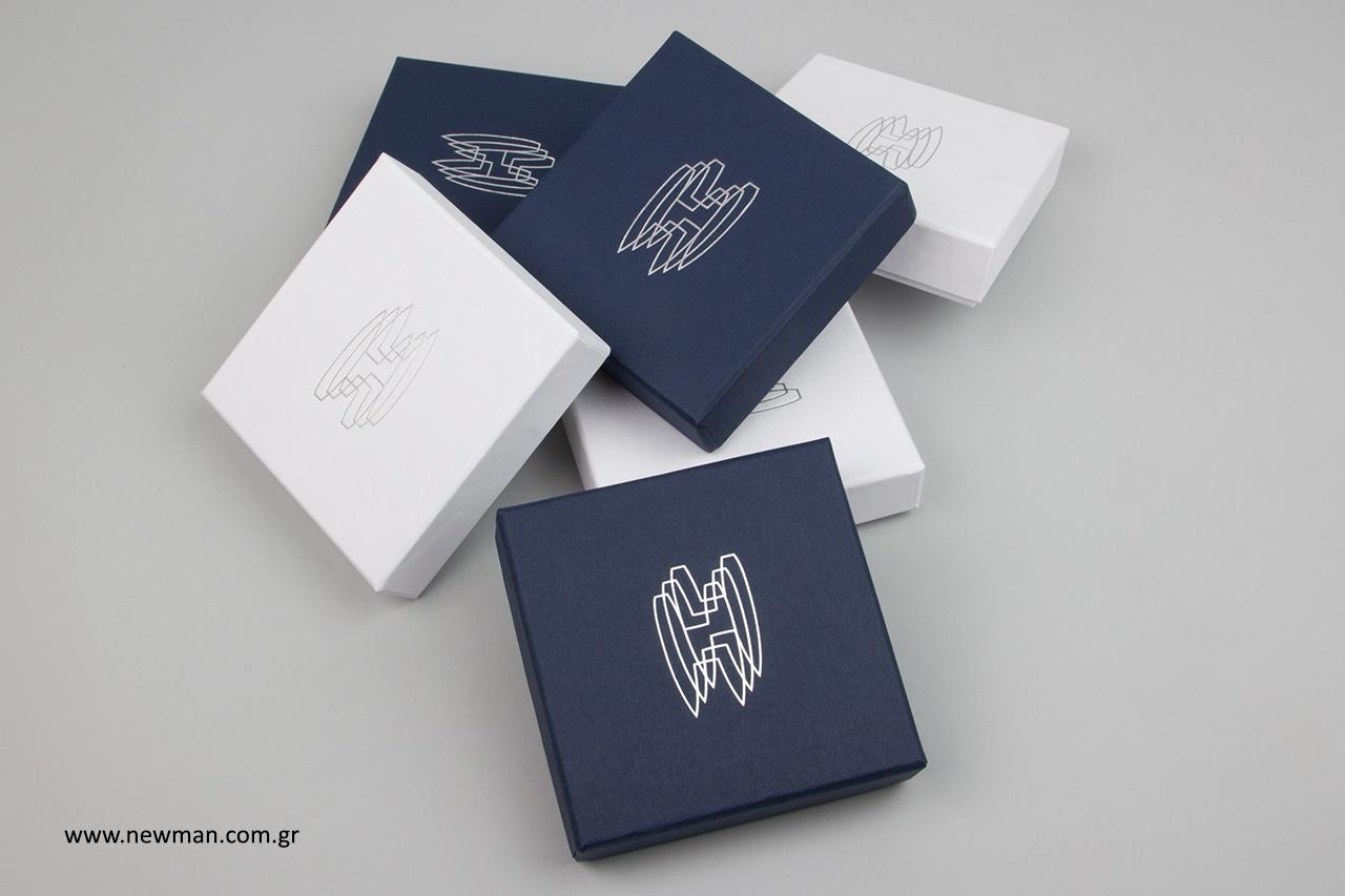 HANSAC Yachts: Χειροποίητα κουτιά δώρου για εταιρεία γιοτ.
