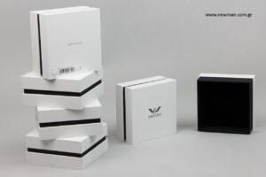 Angelo di Spirito Rosa: Εξατομικευμένα κουτιά συσκευασίας με λογότυπο.